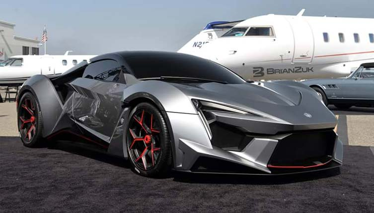2016 W Motors Fenyr SuperSport - Online Figure
